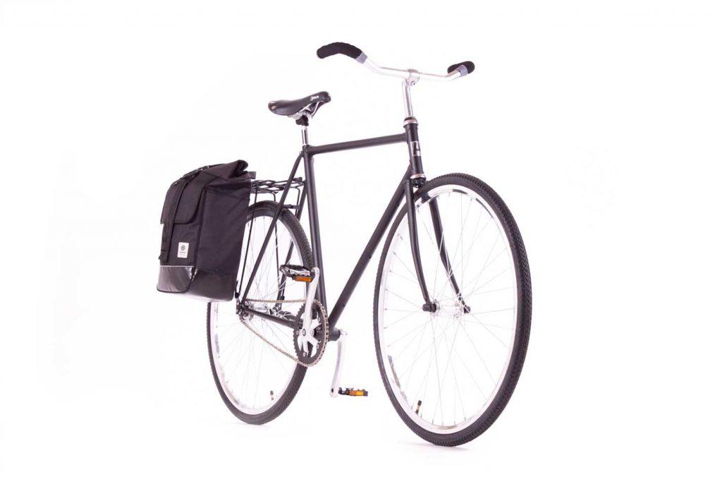 Independencia-negro-bici-frente
